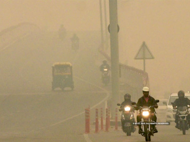 AQI worsens in Delhi, Noida is in very poor category