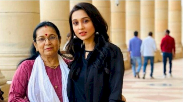 TMC MP Mimi Chakraborthy posts picture  with mom outside Parliament