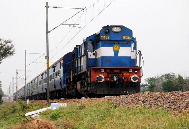 22 year old Women Jumped in-front of train with her 10 month old baby  and dies