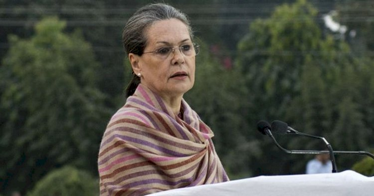 Sonia Gandhi roars out at BJP for selling PSUs to his freinds