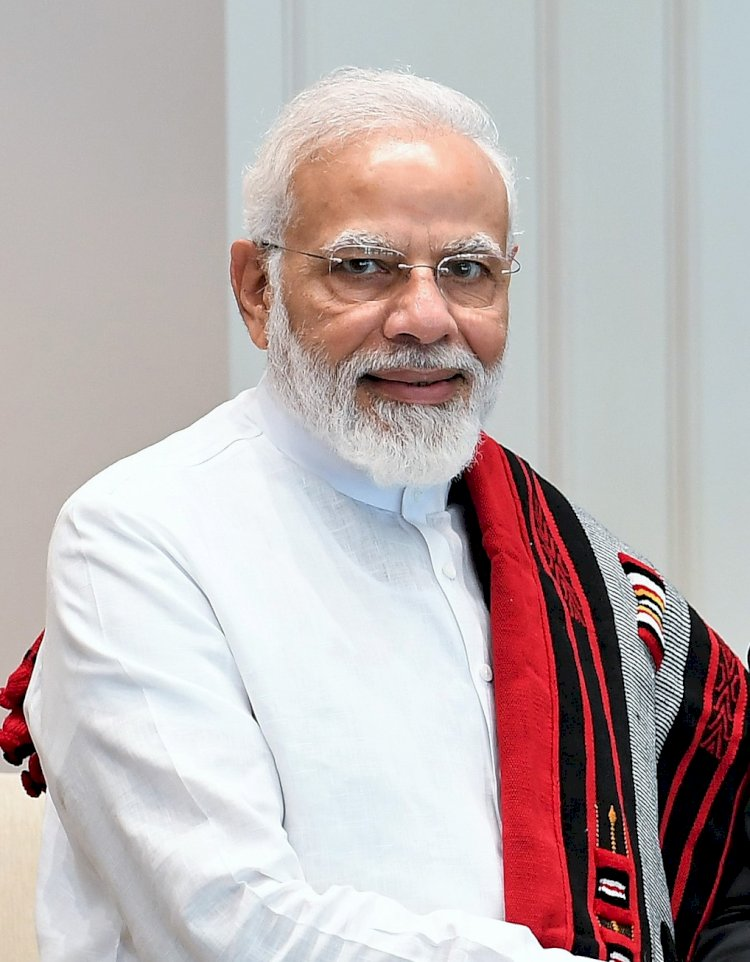 Modi urges banks, corporates to take decisions without fear