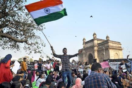 Mumbai Protesters were shifted to Azad Maidan from Gateway of India