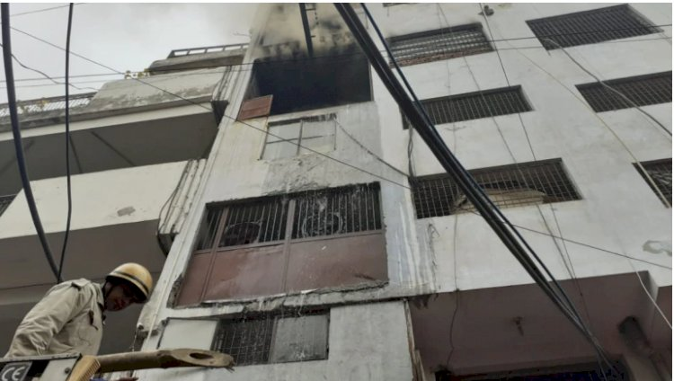 Fire breaks out in shoe factory in Delhi
