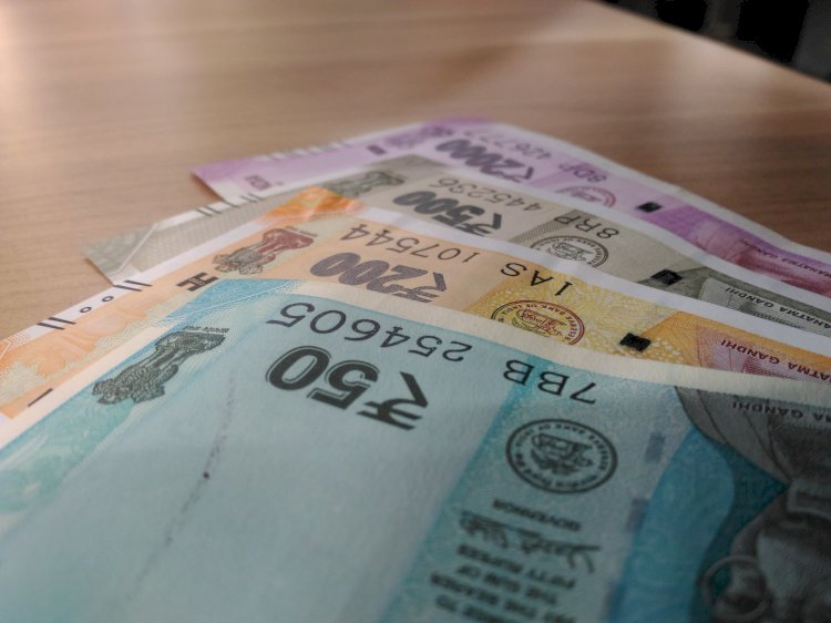 Rupee slips 10 paise to 71.43 against US dollar