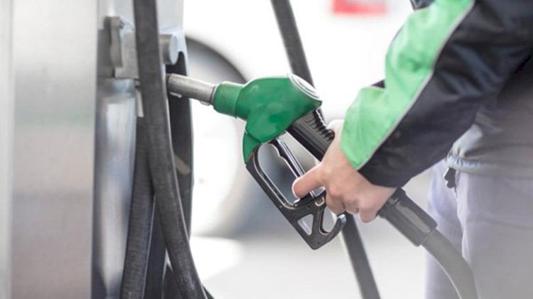 Petrol and diesel prices reduced by 5 paise