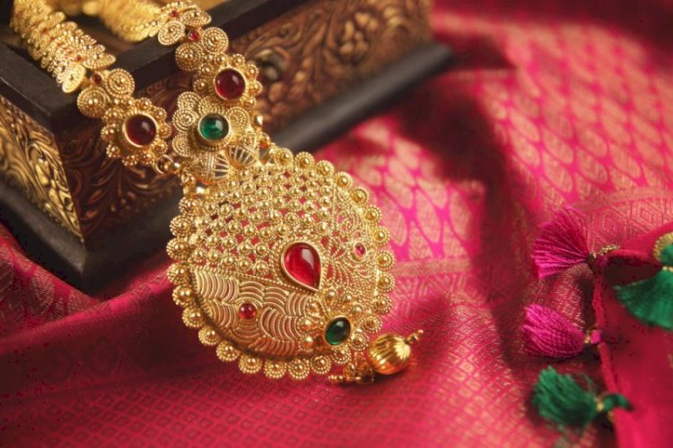 Gold prices today jump nearly ₹650 per 10 gram in a day