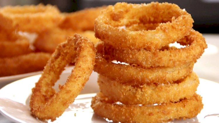 Coronavirus: UK couple exchanges onion rings at Burger King after wedding gets cancelled